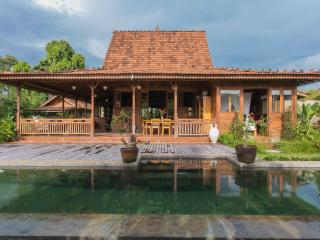 3bd Gorgeous Teak Villa in Ubud