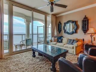 Luxurious 19th floor waterfront condo, w/tons of amenities!, Pensacola Beach
