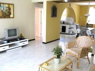 Villa de luxe-la plage 2 mins-Piscine-A/C-Securite