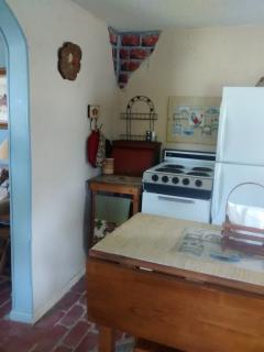 Fully-equipped Country Kitchen