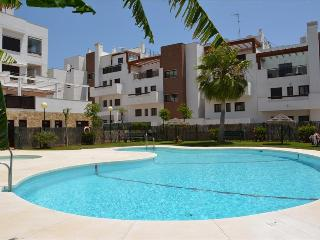 Bright apartment close to centre and beach, La Cala de Mijas