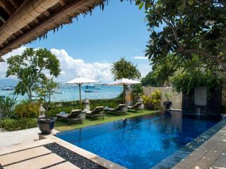 Celagi Villa right on the beach at Tamarind Bay
