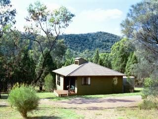 Kirima Cottages-Cypress cottage