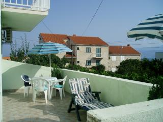 One Bedroom Apartment with Terrace and Sea View, Supetar