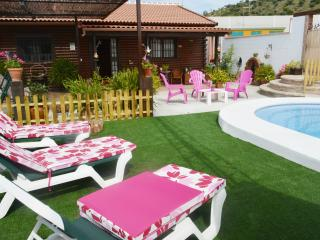 Acogedora casa de madera con piscina privada/jacuz, Ardales
