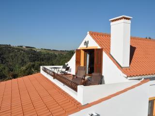 Adriatic at Quinta do Bom Vento, Queen loft studio, Obidos