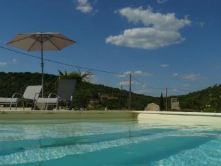 Location de gites avec piscine de 4m. sur 10m.