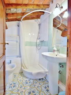 Bathroom n.4