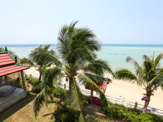 Charu Bay Luxury Beach Front Villa