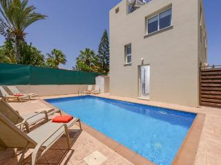 PREVIL05 - 3 bed villa with pool in Pernera, Protaras