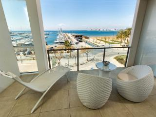 Modern apartment front Marina and Sea View, Roses