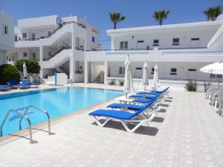 Michalis Apartments - Two Bedroom Apartment pax 4
