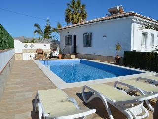 Beautiful 4 bedrooms villa with pool , A/C, wifi.