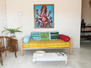 Lotus - Oriental Vintage Experience