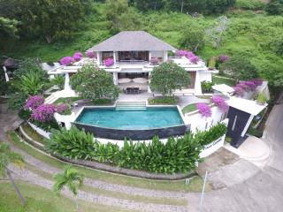 Secluded 3-Bedroom Luxury Villa, Batu Layar