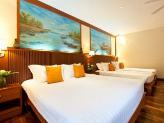 5BR Beachfront Villa on Samui!, Mae Nam