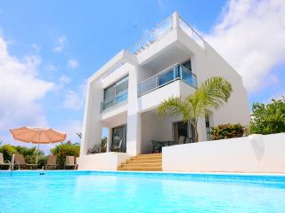Villa Nasia - Modern Villa In Coral Bay, Peyia
