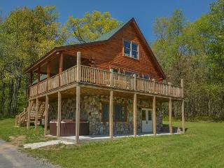 Log home close to Wisp Resort & lake activities!, McHenry