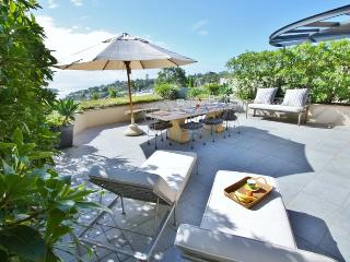 MOSMAN MAGNIFICENT WATER VIEWS 3BED 2BATH APT F/F GREAT ENTERTAINER NR BEACHES.