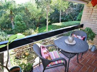 EDGECLIFF F/F 1BED APT. GREAT POSITION. GARDENS POOL AND QUIET. CLOSE TRANSPORT., Edgecliff