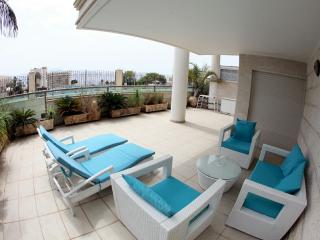 Holiday Home, beautiful complex opp the sea, Eilat