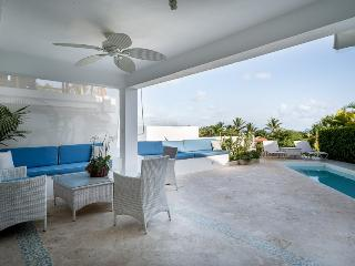 Casa de Campo 1211 - Ideal for Couples and Families, Beautiful Pool and Beach, La Romana