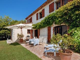4 bedroom Villa in Chateauneuf De Grasse, Cote D Azur, France: ref 2018017, Chateauneuf de Grasse