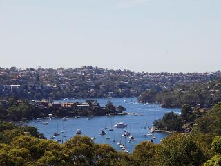 NEUTRAL BAY 2 BED 1 BATH VIEWS PARKING, Neutral Bay