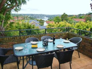 CREMORNE QUALITY F/F 1BED APT IN PRESTIGE AREA VIEWS PARKING 7 MINS TO CITY CBD., Cremorne