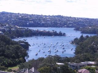 VIEWS VIEWS VIEWS 3BED 2BATH TOP FLOOR APT IN NEUTRAL BAY F/F WITH PARKING, Neutral Bay