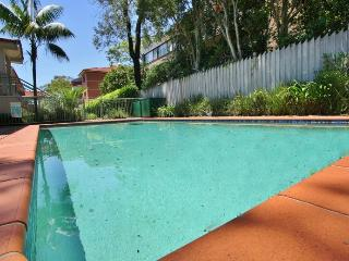 CHATSWOOD 2BED 2BATH WIFI POOL PARKING.