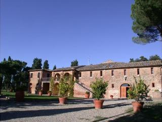 12 bedroom Villa in Siena, Tuscany, Italy : ref 2022521