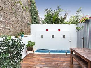 PADDO TERRACE WITH ALL THE CHARM AND POOL