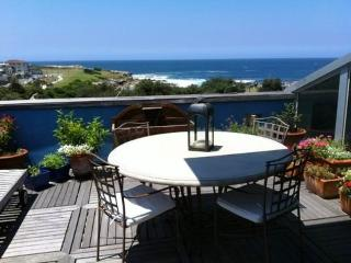 CLOVELLY 1 BEDROOM AIRCON WI FI 2 BATHROOMS F/F