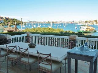 NEUTRAL BAY FABULOUS HARBOURSIDE F/F HOME. 3BED 2.5BATH VIEWS POOL RARE OFFERING, Neutral Bay