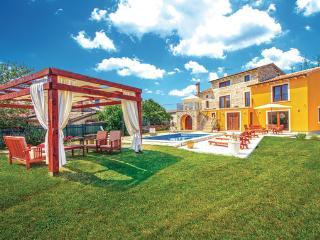 Villa in Svetvincenat, Istria, Croatia, Bibici