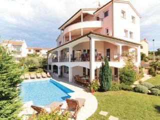 Villa in Pula, Istria, Croatia, Stinjan