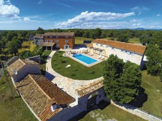 8 bedroom Villa in Barban, Istria, Croatia : ref 2046246