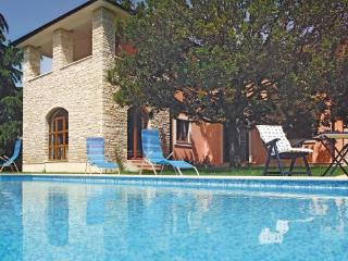 5 bedroom Villa in Fazana, Istria, Croatia : ref 2046414, Peroj
