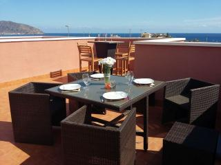 Luxury 2 bedroom seaview villa, Wi-Fi & Air Con