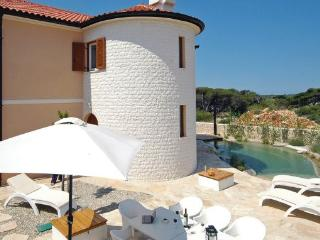4 bedroom Villa in Pag, Kvarner, Croatia : ref 2088657