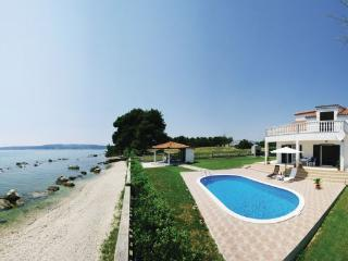 4 bedroom Villa in Trogir, Central Dalmatia, Croatia : ref 2089074, Kastel Stafilic