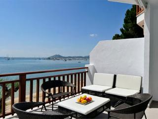 Pinewalk  Apartment Rafael - 3bedroom, 3bathroom deluxe sea front.