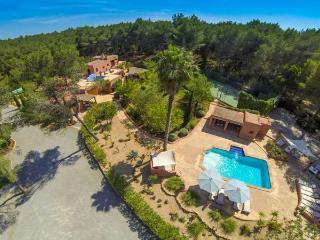 Villa in Santa Eulalia Del Rio, Ibiza, Ibiza, Santa Eulalia del Río
