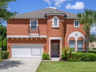 Newly renovated in orlando 3 miles to Disney, Orlando