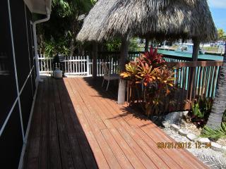 Duplex, Canal, Screen porch, Tiki hut, Pool access, Key Colony Beach
