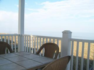 706 - Direct Oceanfront, Spacious, Clean Get Away, Carolina Beach