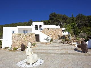 Villa in Cala D Hort, Ibiza, Es Cubells