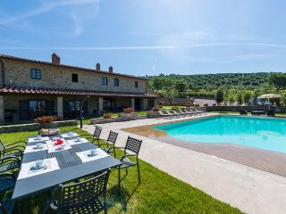 7 bedroom Villa in Cortona, Tuscany, Italy : ref 2213555