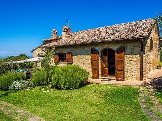 4 bedroom Villa in San Gimignano, Chianti Classico, Italy : ref 2214258, Pancole
